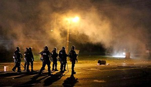 st-louis-police-tear-gas-riots-600